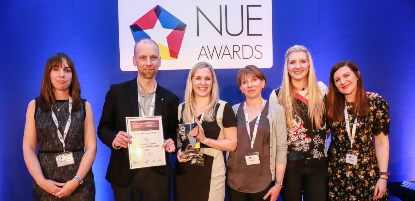 Huddersfield Business School Placement Unit won the award for Best University Placement Service at the national NUE awards for 2017